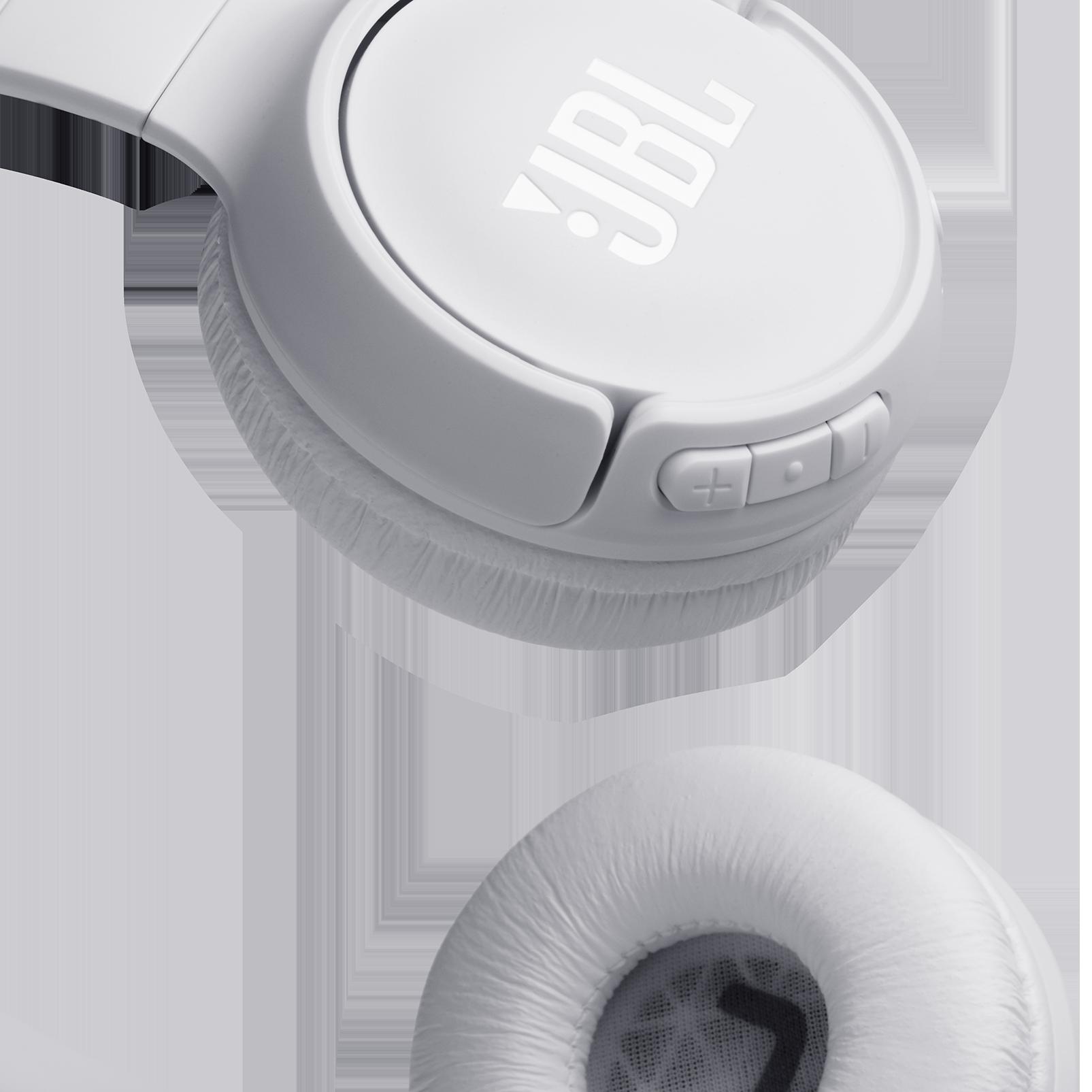 JBL TUNE 560BT - White - Wireless on-ear headphones - Detailshot 1