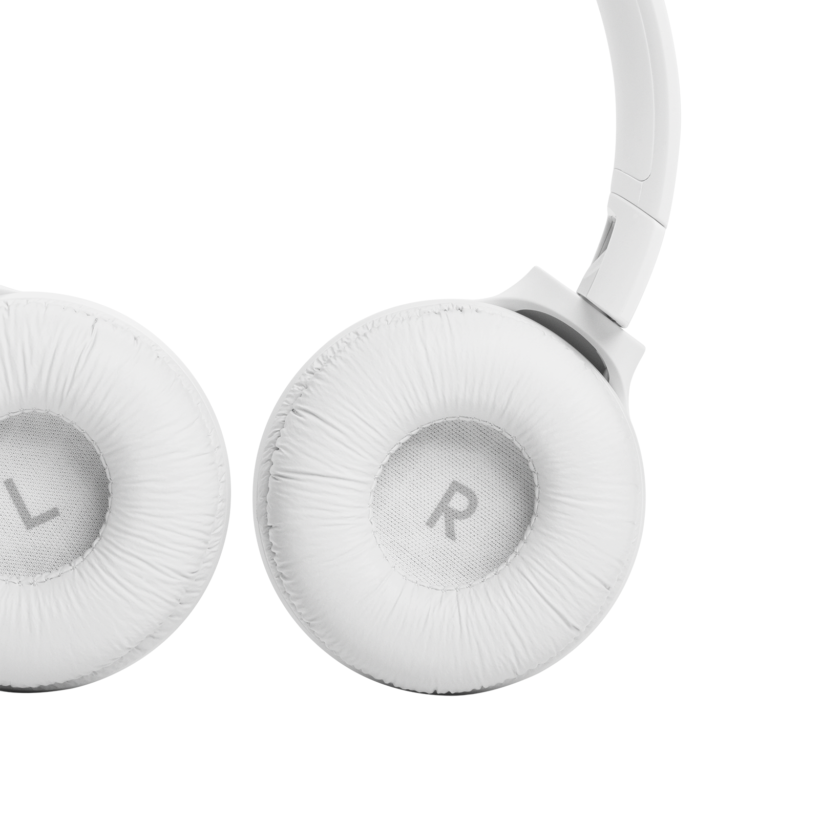 JBL Tune 510BT - White - Wireless on-ear headphones - Detailshot 2